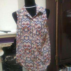 H & M women's Aztec tiled BLouse Button up Size 4